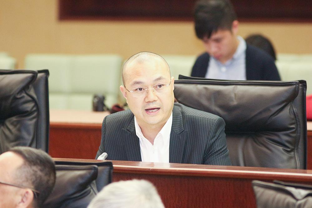 施家倫:穩經濟保就業 擴大深化帶津培訓